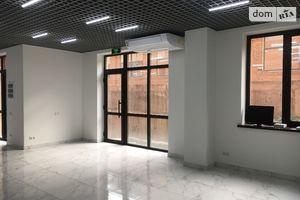 Продається офіс 220 кв. м в нежитловому приміщені в житловому будинку