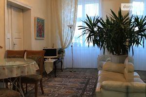 Продается 2-комнатная квартира 73 кв. м в Львове