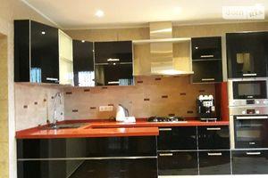 Сдается в аренду 4-комнатная квартира 148 кв. м в Ужгороде