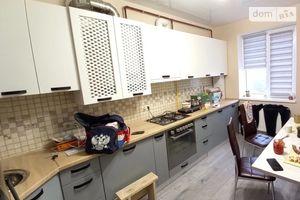 Сдается в аренду 3-комнатная квартира 85 кв. м в Ужгороде