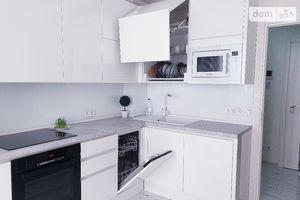 Продается 3-комнатная квартира 95.1 кв. м в Одессе