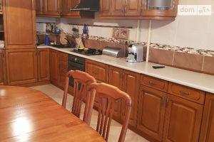 Продается 3-комнатная квартира 98 кв. м в Ивано-Франковске