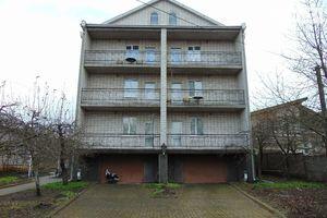 Продается дом на 3 этажа 620 кв. м с камином