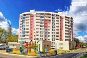 Продається 3-кімнатна квартира 136.3 кв. м у Чернігові