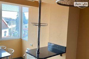 Продается 3-комнатная квартира 85 кв. м в Ужгороде