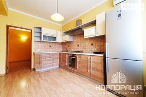 Продается 3-комнатная квартира 91 кв. м в Ужгороде