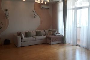 Продается 3-комнатная квартира 145 кв. м в Одессе