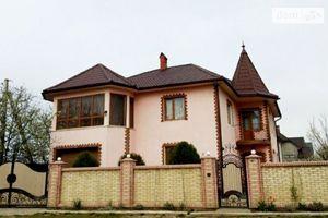 Продается дом на 2 этажа 250 кв. м с мансардой