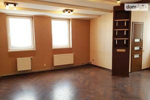 Продається офіс 208 кв. м в торгово-офісному центрі
