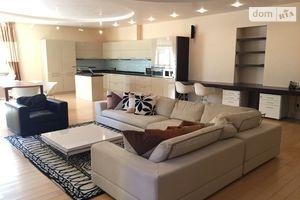 Сдается в аренду 4-комнатная квартира 200 кв. м в Киеве