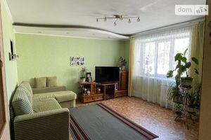 Продается 4-комнатная квартира 76 кв. м в Кременчуге