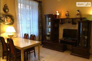 Продается 4-комнатная квартира 150 кв. м в Одессе