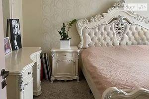 Продается 3-комнатная квартира 70 кв. м в Хмельницком