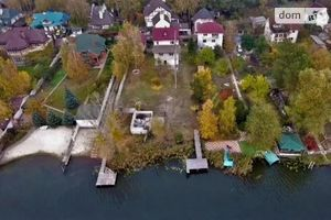 Продается дом на 3 этажа 228 кв. м с бассейном