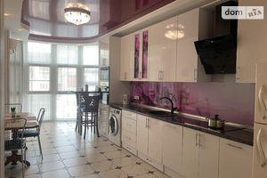 Продается 2-комнатная квартира 93 кв. м в Чернигове