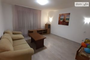 Сдается в аренду 1-комнатная квартира 48 кв. м в Ивано-Франковске