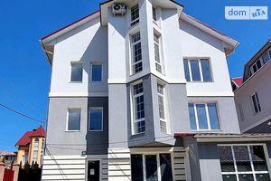 Продається 2-кімнатна квартира 62 кв. м у Чернівцях