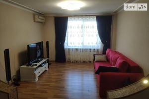 Сдается в аренду 3-комнатная квартира 86 кв. м в Черновцах