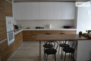 Продается 4-комнатная квартира 131 кв. м в Киево-Святошинске
