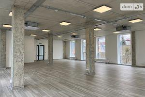 Сдается в аренду офис 313.7 кв. м в торгово-офисном центре