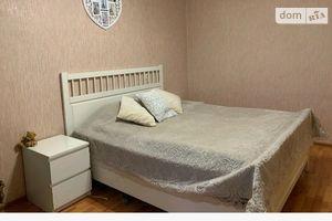 Продається 3-кімнатна квартира 56 кв. м у Чернівцях