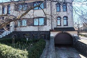 Продается дом на 2 этажа 434 кв. м с камином