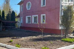 Продается дом на 3 этажа 900 кв. м с мансардой
