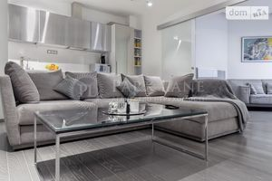 Продається 2-кімнатна квартира 100 кв. м у Києві