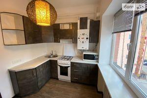 Продается 2-комнатная квартира 37 кв. м в Ирпене