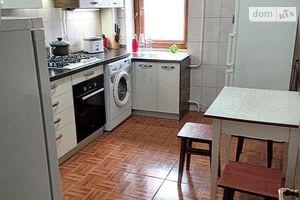 Продается 4-комнатная квартира 80 кв. м в Чернигове