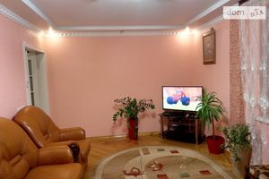 Сдается в аренду 2-комнатная квартира 58 кв. м в Черновцах
