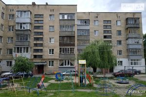 Продается 2-комнатная квартира 35 кв. м в Василькове