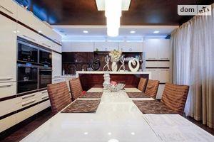 Продается 4-комнатная квартира 305 кв. м в Одессе