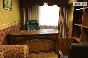 Продається офіс 91.4 кв. м в нежитловому приміщені в житловому будинку