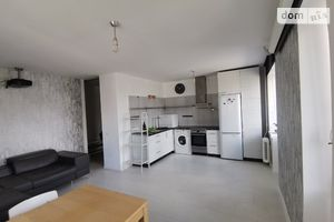Продається 3-кімнатна квартира 67 кв. м у Києві