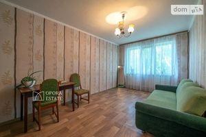 Продається 2-кімнатна квартира 48 кв. м у Чернігові