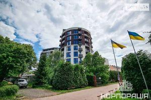 Продается 3-комнатная квартира 108 кв. м в Ужгороде