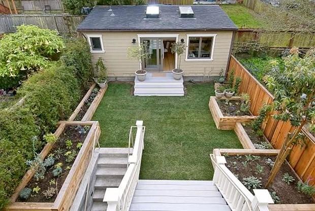 10 способов облагородить двор частного дома и не тратиться на полив сада