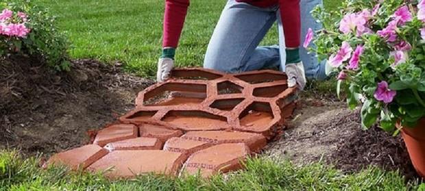 3 способа оформить дорожки на садовом участке своими руками