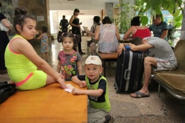 Беженцев просят до 1 сентября освободить общежития вузов и санатории
