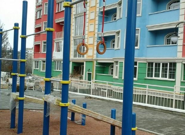 Благоустроенная территория нового дома «Акварель» на Победе-6!