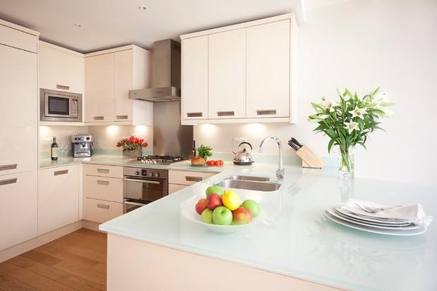 Cтеклянные столешницы на кухне: за и против