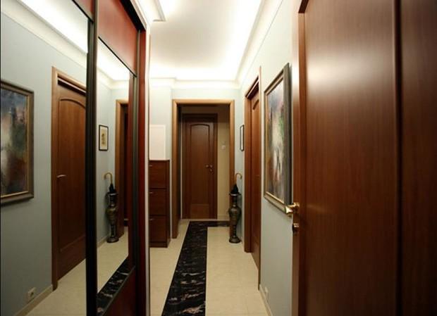 Дизайнерские решения для узких коридоров