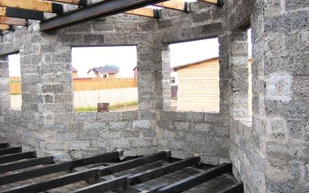 Дом из арболита – особенности строительства, преимущества и недостатки
