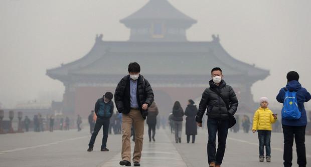 Мэр Пекина: Город не пригоден для жизни из-за смога