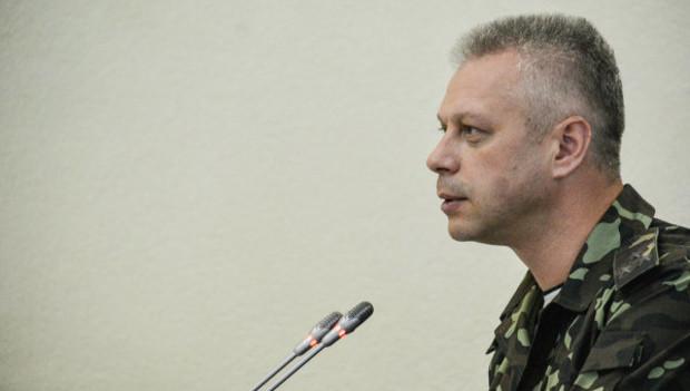 На Донбассе разрушено более 4,5 тыс. домов и 1 тыс. км. дорог, - СНБО