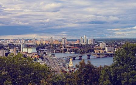 На лівому березі Києва зосереджена велика кількість земельних ділянок