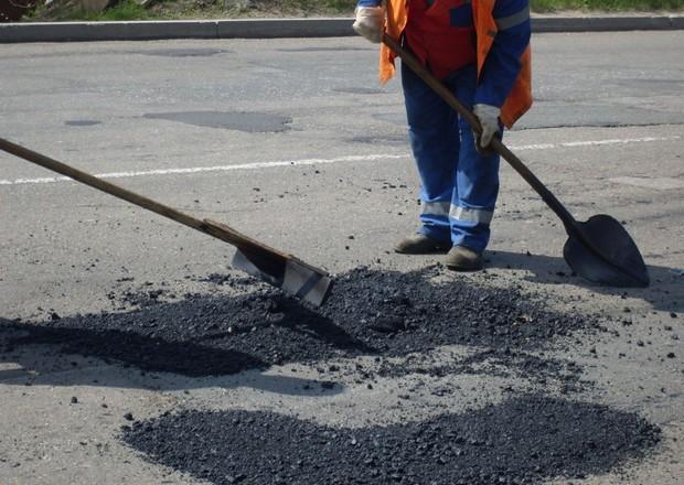 На ремонт дорог Киева выделили 91 млн. грн.