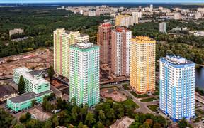 На вихiдних мешканцi Днiпровского району вийшли на суботник