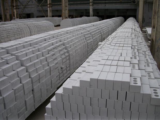 Особенности строительства из белого силикатного кирпича